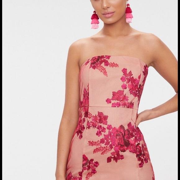 Fuchsia Bandeau Embroidered Lace Bodycon Dress